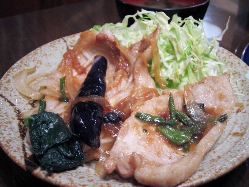 熊谷市宮町2丁目「カフェレストラン喜多坊」の特製豚ロース生姜焼き定食とチーズデミグラスハンバーグステーキ