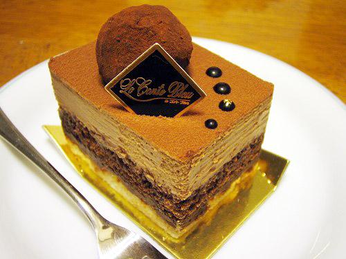 熊谷市箱田6丁目「ル コント ブルゥ」のチョコレートケーキ