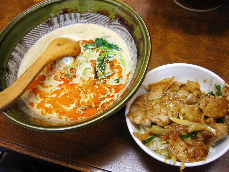 熊谷市大麻生「四華郷」の坦々麺と味噌ラーメン