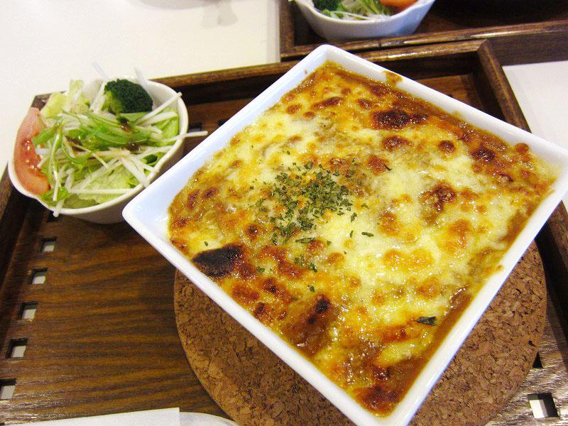 深谷市仲町2丁目「カフェ花見」のとろ~りチーズの焼きカレーとふわとろオムライス