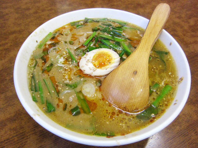 熊谷市大麻生「四華郷」のスタミナ担々麺