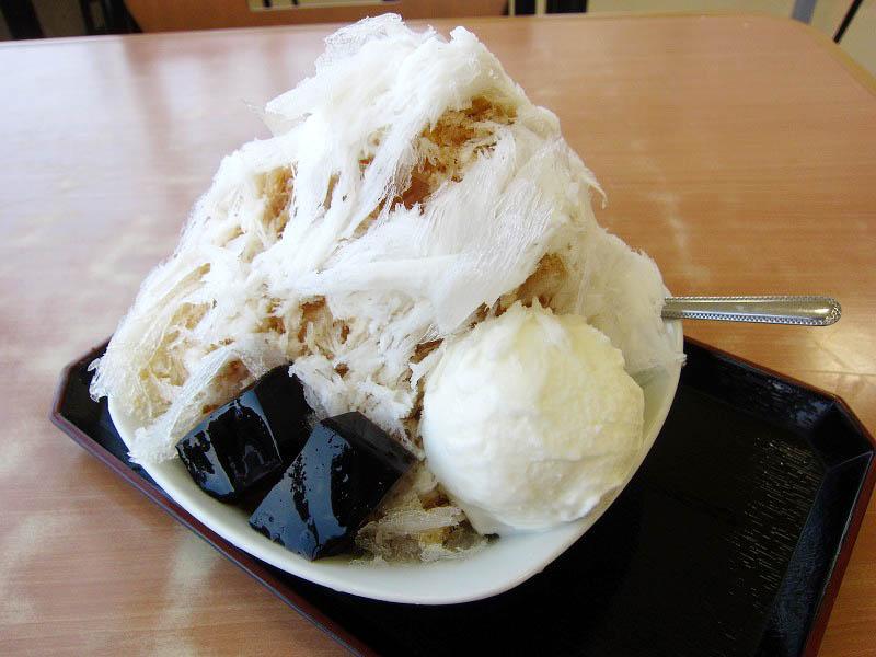 道の駅めぬま「サラダ館」の雪くま『カフェ・ラテ』