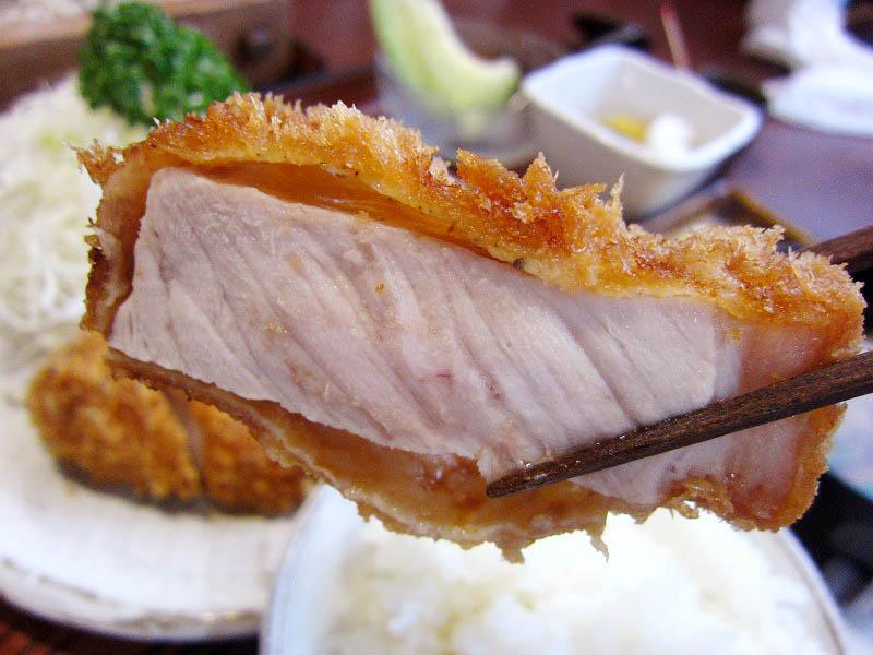 深谷市田谷「虎ひげ」の特上厚揚げロースとんかつ定食