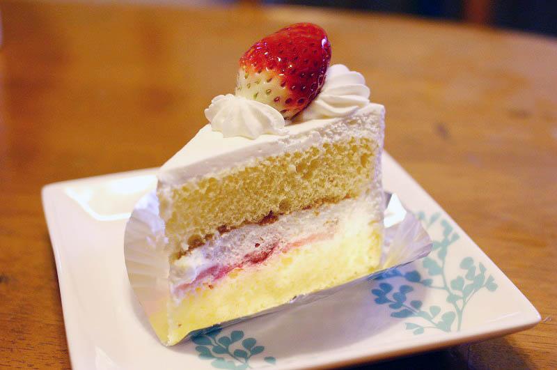 熊谷市新堀「シノン洋菓子店」のケーキ4種類