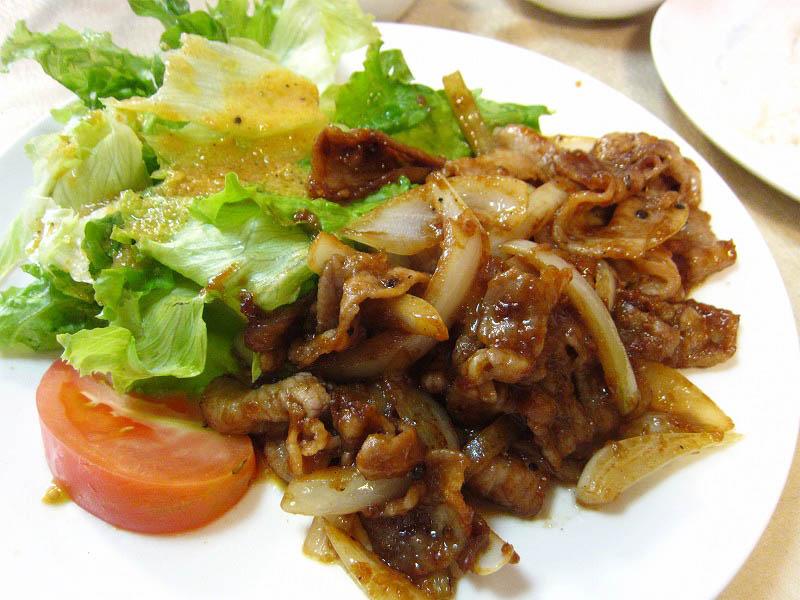 熊谷市妻沼「東京食堂」の豚バラ味噌焼き定食とオムライス