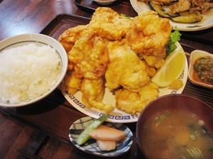 東松山市松山町2丁目「ニュー北味」の唐揚げ定食(おかず大盛り)
