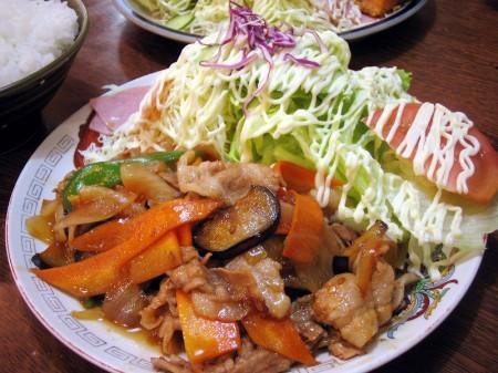 深谷市(旧岡部)岡「丸新」の唐揚げ定食と生姜焼定食