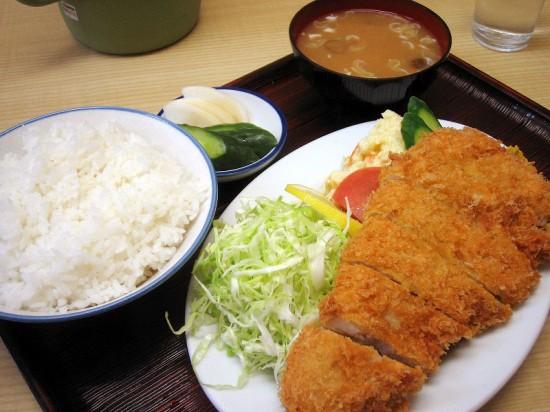 熊谷市新堀「成田屋」の並とんかつ定食