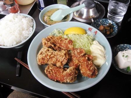 鶴ヶ島市脚折町3丁目「蝦夷」の唐揚げ定食とえぞラーメン