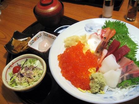 深谷市国済寺「いっちょう」の豪海鮮丼とレディースセット