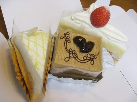 深谷市国済寺「ブルボン洋菓子店」のケーキ