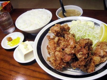 川越市小堤「二代目蝦夷」の唐揚げ定食と半焼肉丼セット