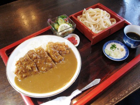 本庄市傍示堂「六助」のカツカレー定食