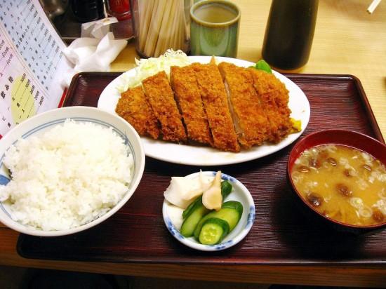 熊谷市新堀「成田屋」の上とんかつ定食