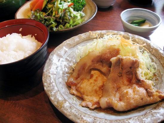 熊谷市新堀「とんふみ」のしょうが焼き定食