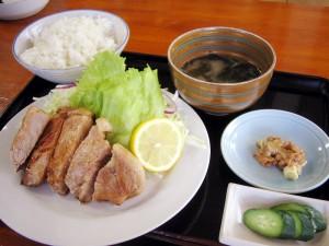 熊谷市本石2丁目「田中屋」のトンテキ定食