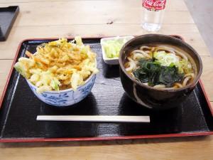 熊谷市西別府「食堂のび太」のかき揚丼セット