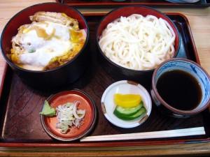 深谷市上柴東「増田屋」のカツ丼セット
