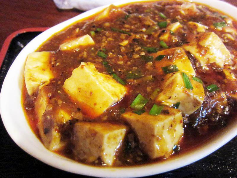 深谷市田中「中華菜館」の麻婆豆腐定食と拉麺・半炒飯セットと五目焼きそば