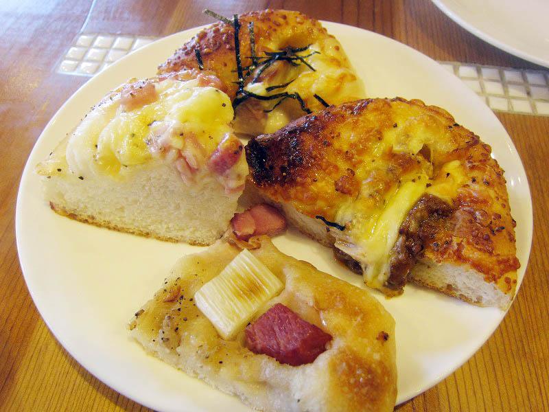 太田市南矢島町「four en pierre」のパン食べ放題ランチ