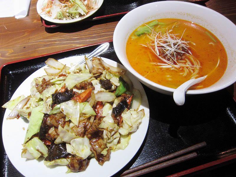 熊谷市新島「禧龍」のラーメンセット(担々麺+ホイコーロ飯+唐揚げ)