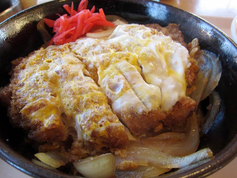 熊谷市中奈良「永華」の半ラーメン・かつ丼セット