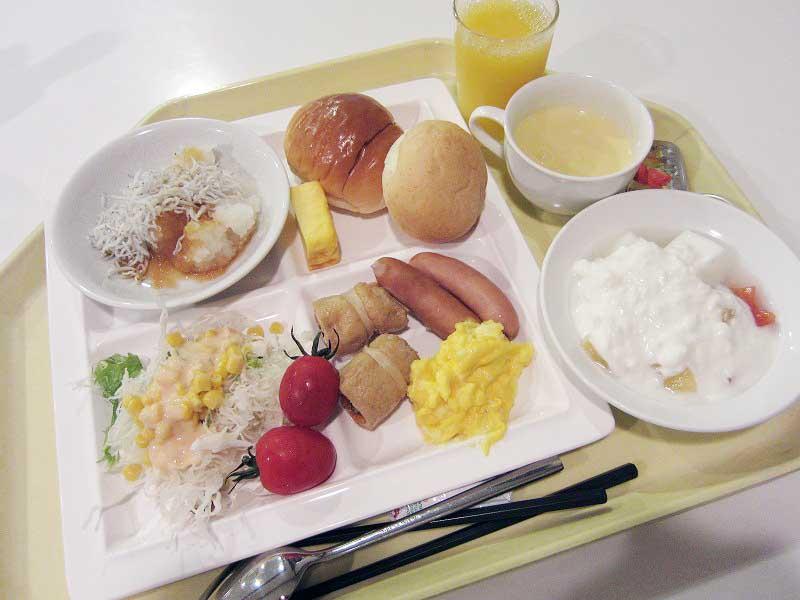 吾妻郡嬬恋村「万座高原ホテル」の夕食ブッフェと朝食ブッフェ