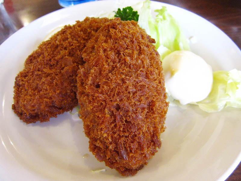 熊谷市拾六間「あらい食堂」のメンチカツ定食と生姜焼定食