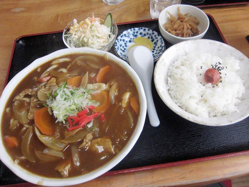 千代田町新福寺「葉草屋」のカレー南ばんセットとたぬきセット