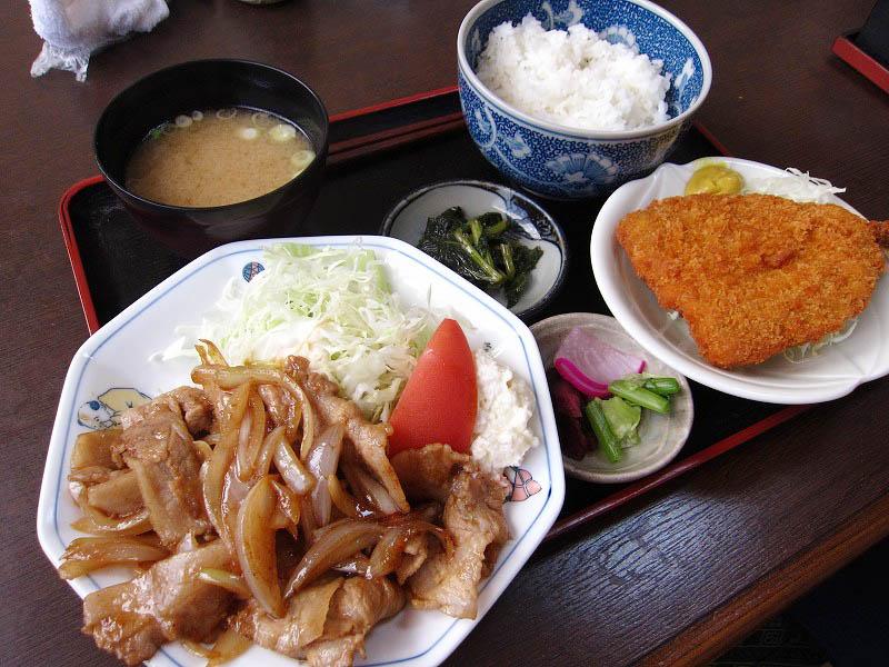 熊谷市妻沼中央1「彦まつ」のアジフライ・焼肉定食
