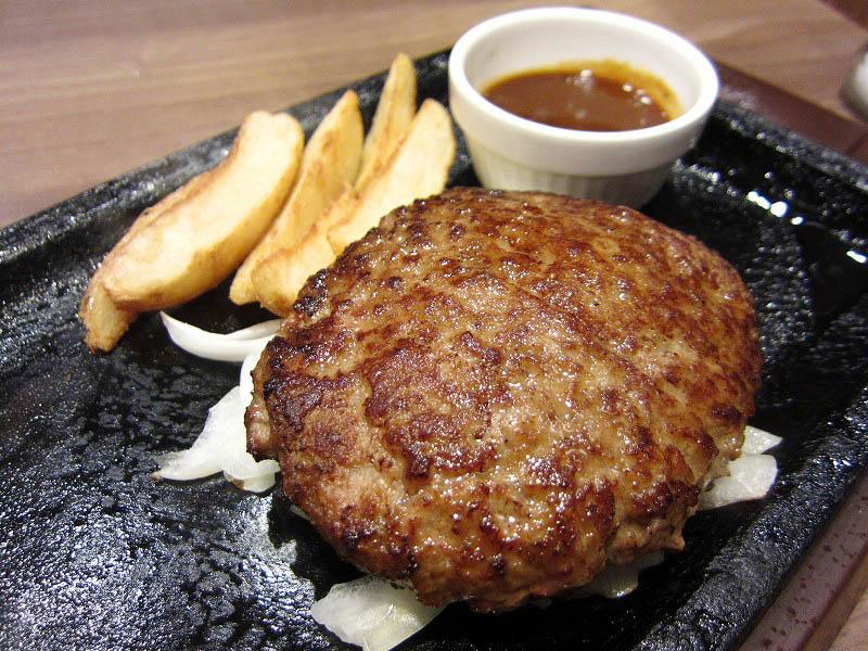 熊谷市拾六間フェスティバルガーデン内「ステーキガスト」のチーズINハンバーグ