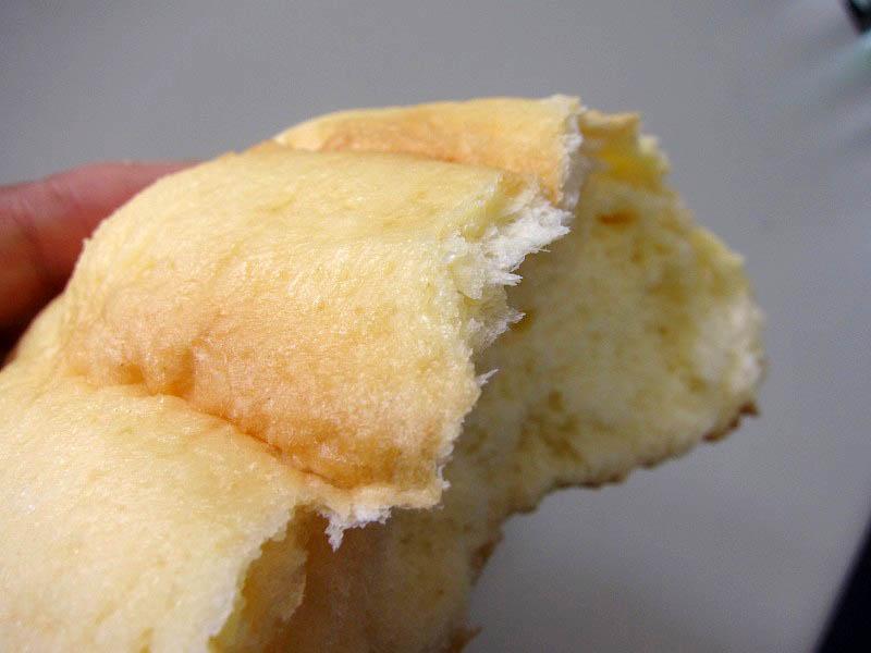 コンビニ「ミニストップ」の焦がしバター風味のメロンパン