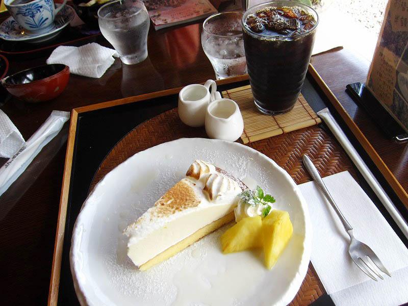 深谷市小前田「珈楽庵 深谷花園店」のアイスコーヒーとケーキのセット