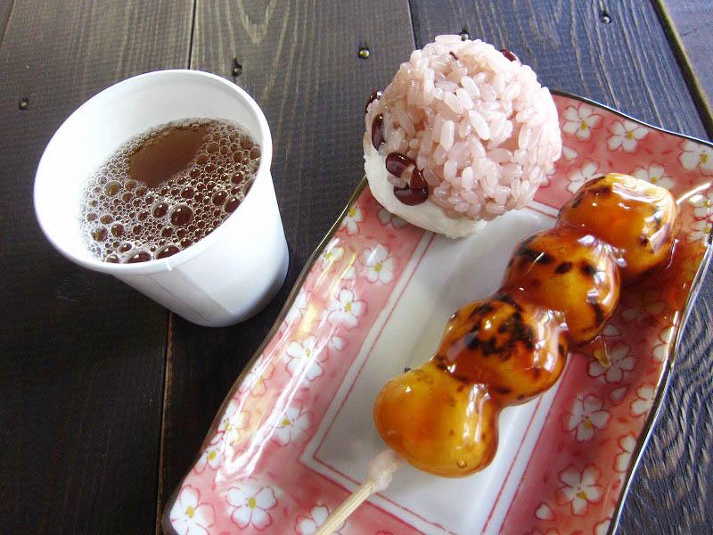熊谷市妻沼「丸岡堂」のだんごといが饅頭