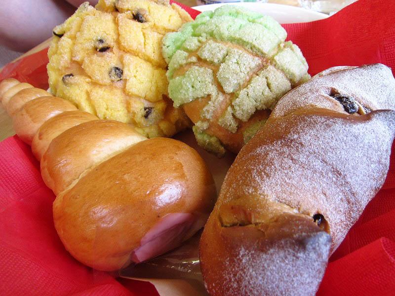 深谷市山河「cafe&Bakery TiVoLi」のパン