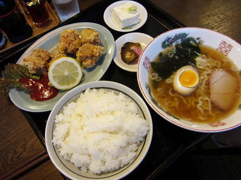 吉見町中新井「味のきんせい」の若鶏の唐揚げセットときんせい餃子
