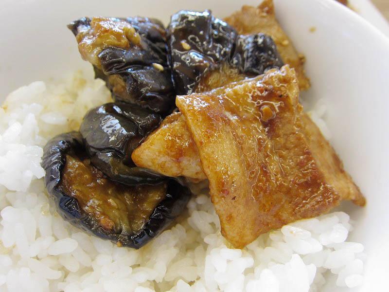 熊谷市肥塚「松屋 熊谷バイパス店」の豚と茄子の辛味噌炒め定食