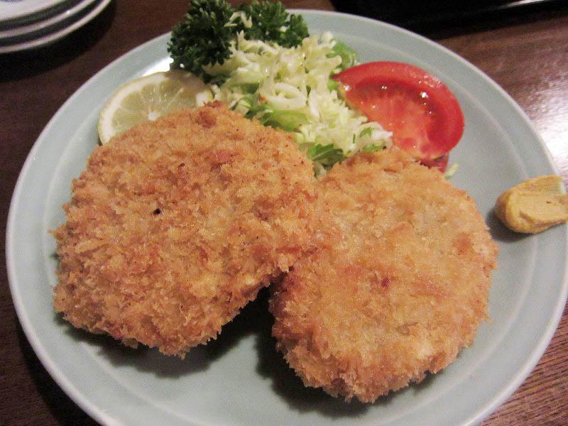 鴻巣市神明1丁目「とんこ」のキムチとバラ肉いため定食とメンチかつ(手づくり)他
