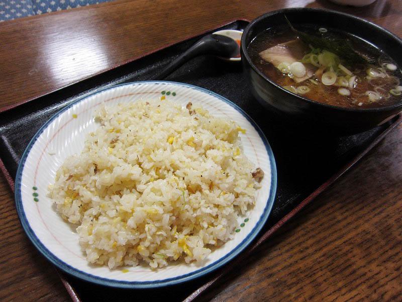深谷市小前田「客隆軒」のCセット(醤油ラーメン+チャーハン)と中華丼