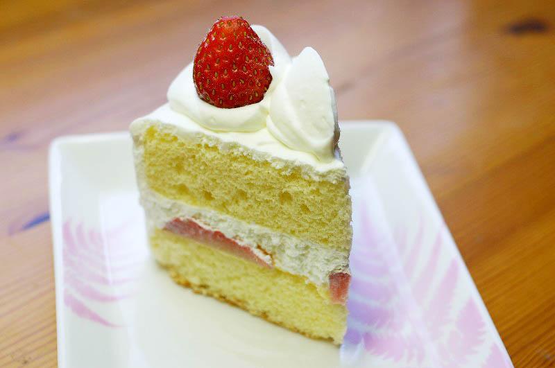 熊谷市新堀新田「ル・シュクル」の苺ショートとチョコレートケーキとミルクレープ