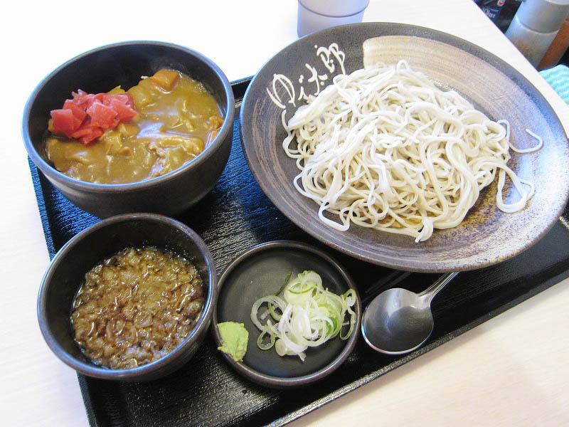 深谷市萱場「ゆで太郎」の朝ごはん(カレー丼+冷そば)