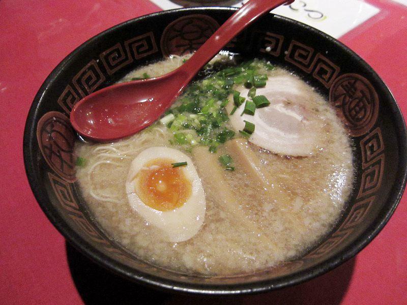 秩父市桜木町「麺屋 凜」のラーメン