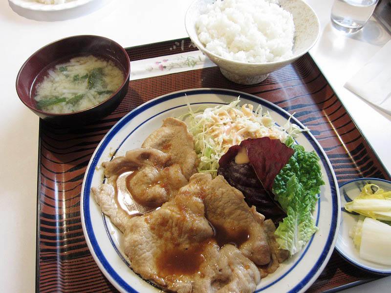 羽生市下新郷「コロンバ」のしょうが焼き定食とハンバーグ定食