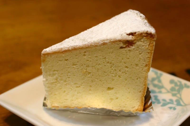 深谷市岡「ラ・ペルル」のケーキ色々とレーズンサンド