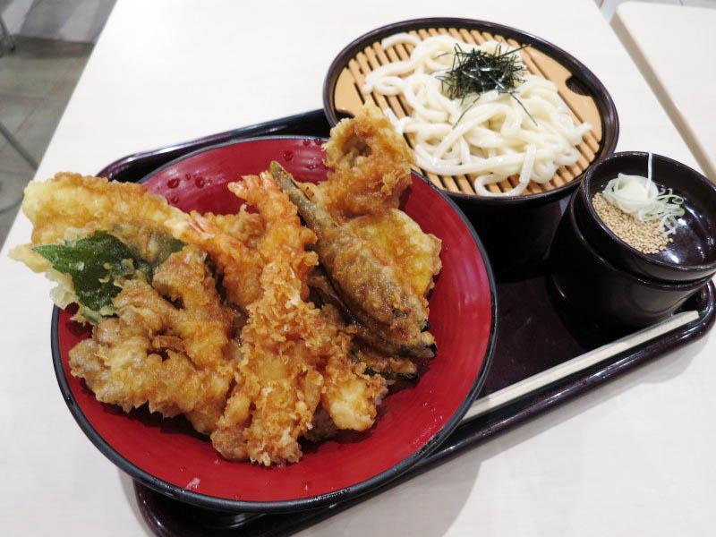 羽生イオンフードコート内「魚とと」の穴子天丼セット(冷うどん)