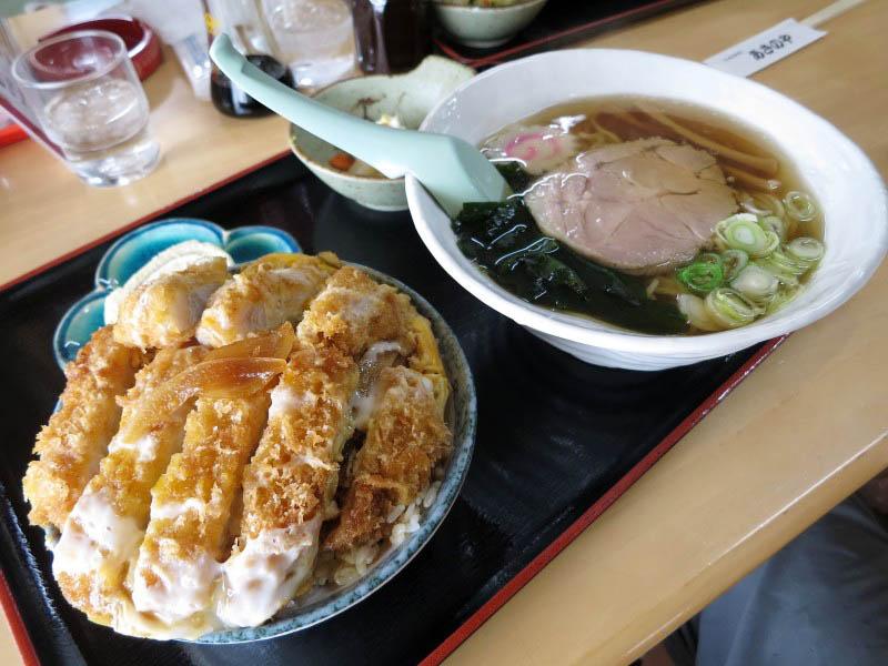 ときがわ町玉川「あさのや」のかつ丼とラーメン