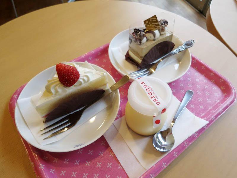 熊谷市妻沼「さわた 本店」のいちごショートとミルクコーヒーとなめらかプリン
