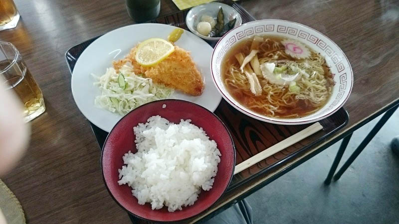 熊谷市中奈良「大衆食堂 たつみ」のハムカツライス&ラーメン