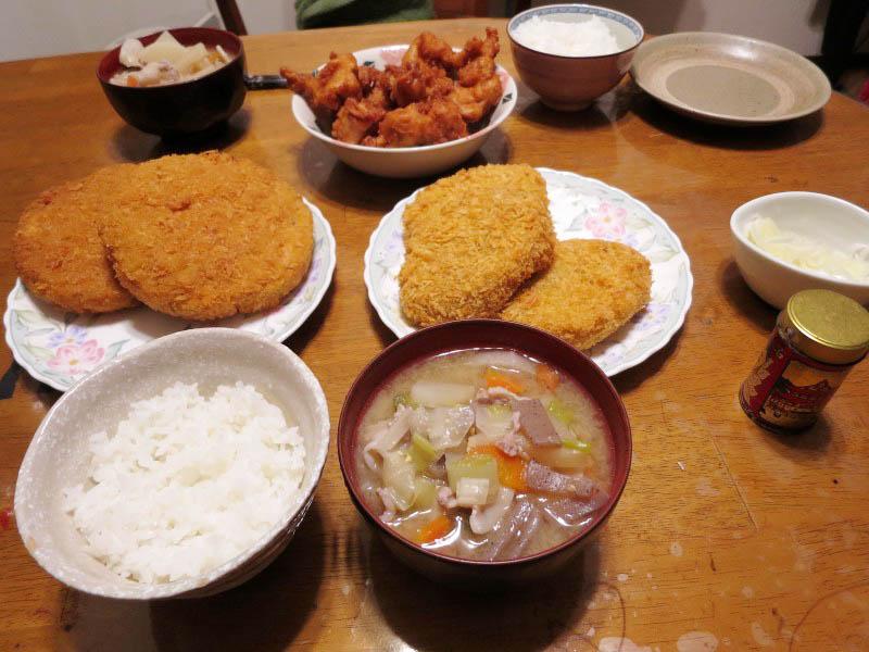 深谷市黒田「高野精肉店」の自家製コロッケと自家製メンチカツと鶏からあげ