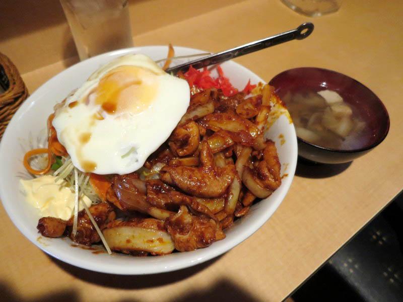 熊谷市江南中央3「チュー勇」の辛味噌ホルモン丼